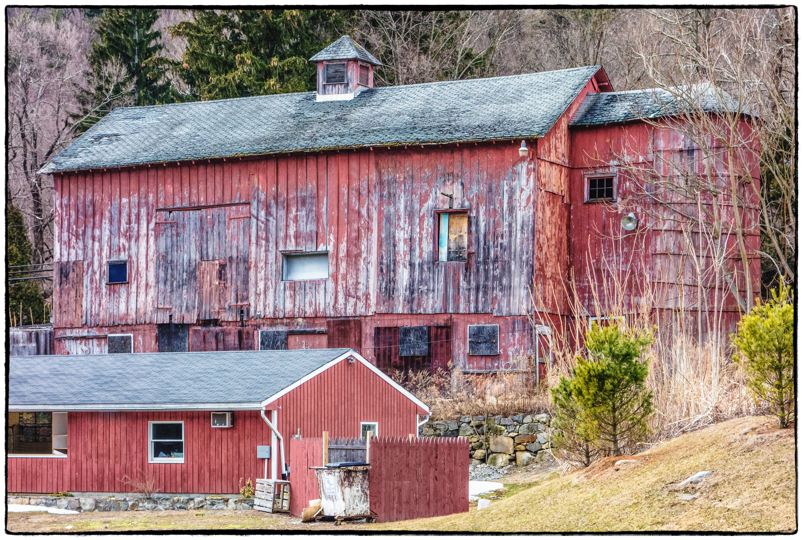 Why Are Barns In The US Always Red?