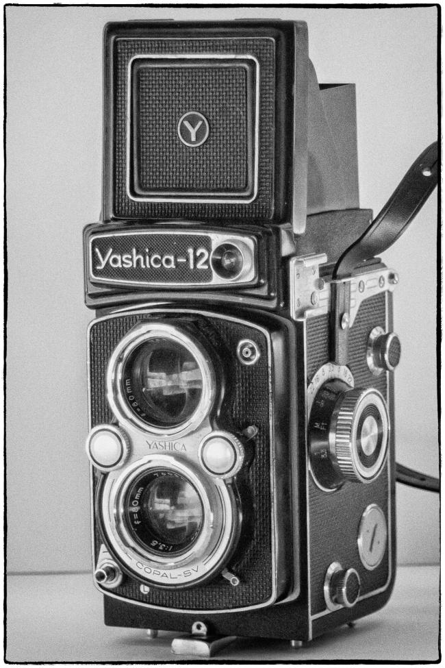 yashica12-1