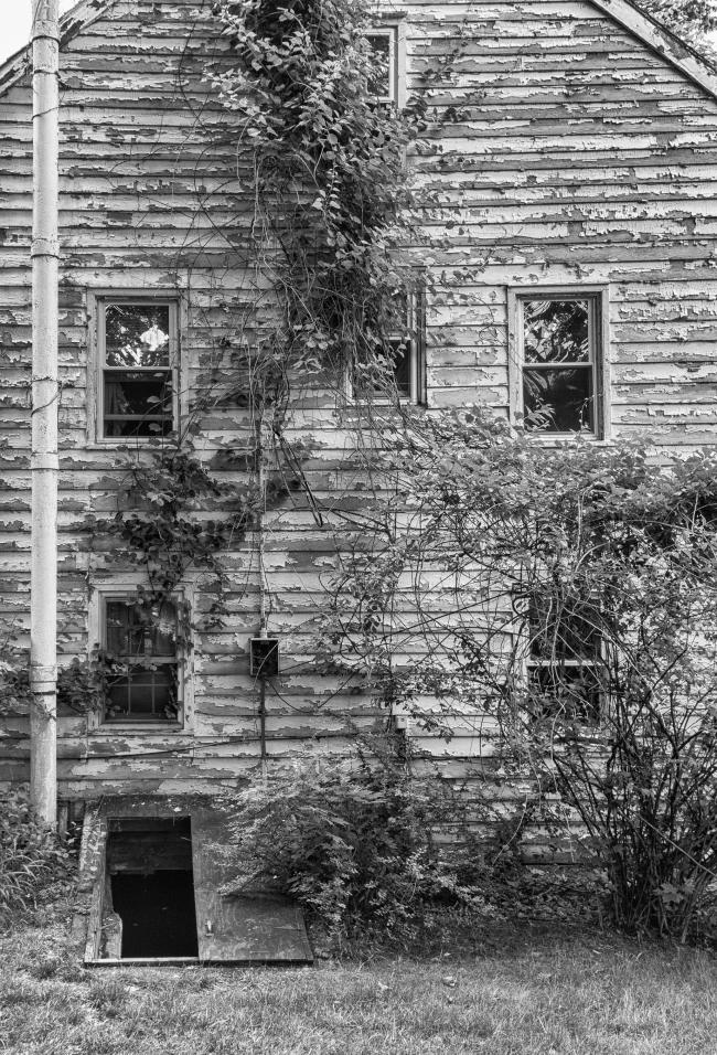abandonedhouseon6n-3