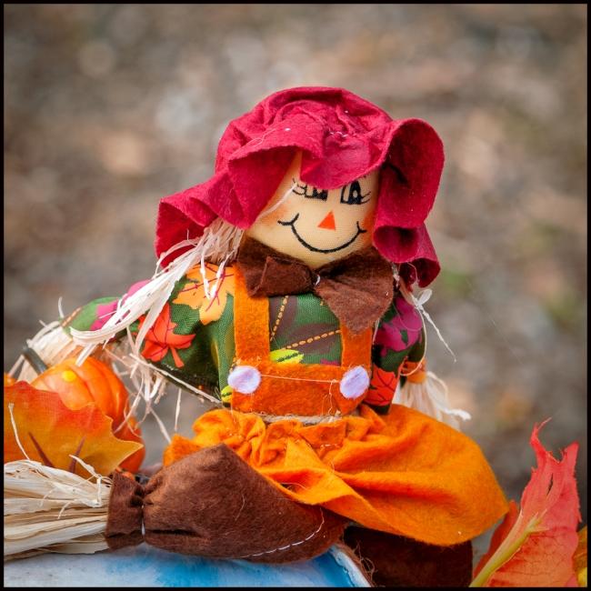 halloweenScarecrow-1-of-4