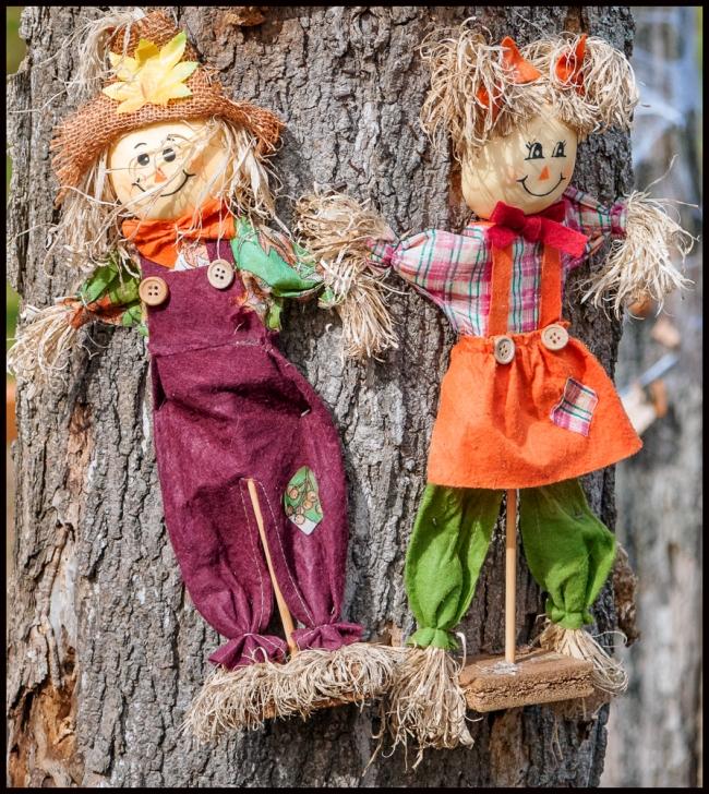 halloweenScarecrow-2-of-4