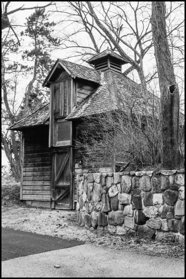 oldwoodenbuilding-1