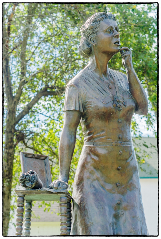 veteransmemorialparkgoldstarmother-1