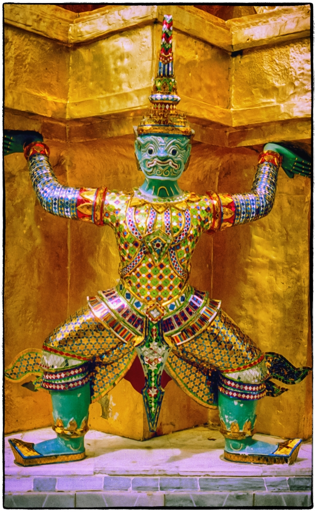 emeraldbuddha-2
