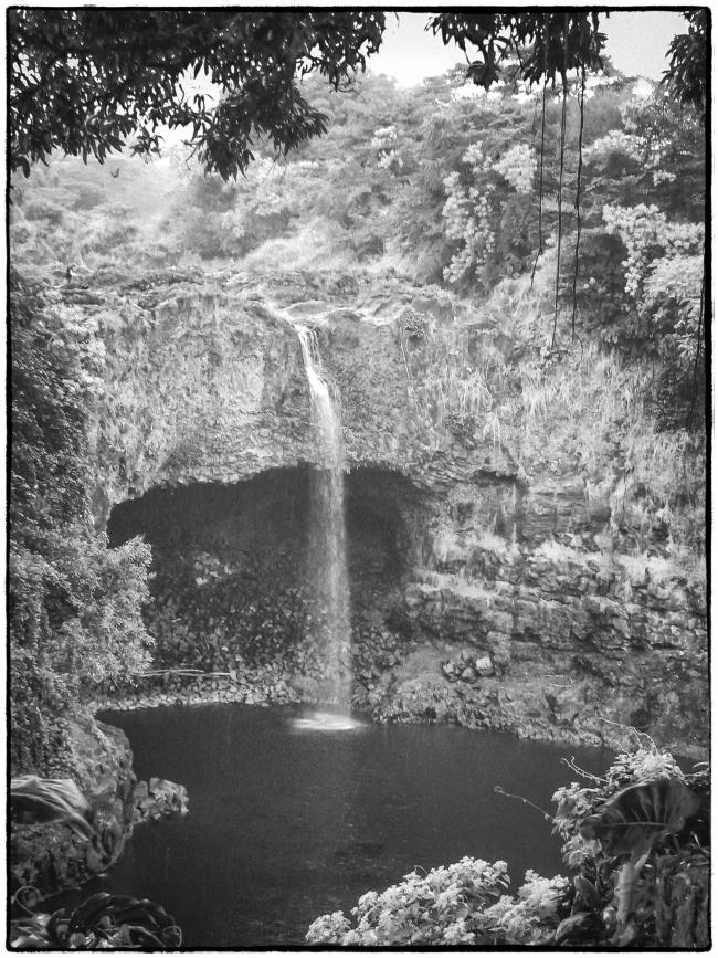 hawaiiwaterfall-1